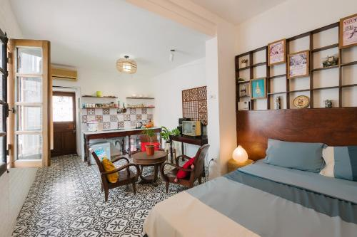 Lại Đây Homestay - Fantastic Flat in Old Quarter Hanoi