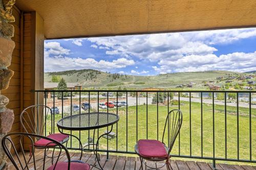 A balcony or terrace at Granby Condo at The Inn at Silver Creek w/Balcony