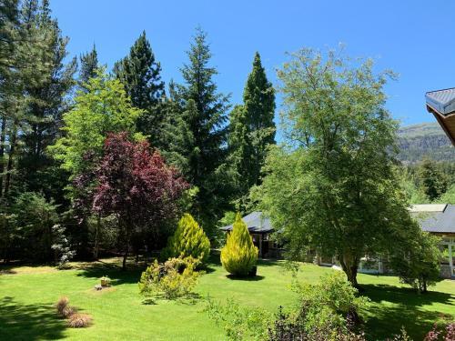 Un jardín fuera de CABAÑAS AILIN-CO