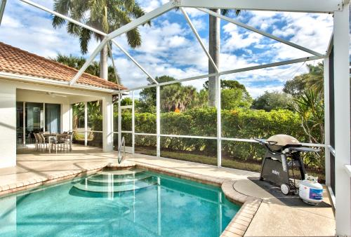 The swimming pool at or close to Neapolitan Vacation Rental