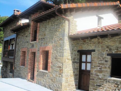 Casa Rural Manuel de Pepa Xuaca (España Tuilla) - Booking.com
