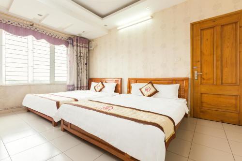 OYO 693 Hoang Long Hotel