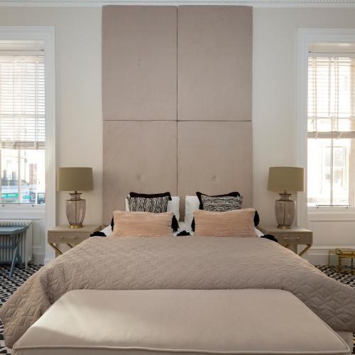 Cama o camas de una habitación en The Lane Hotel