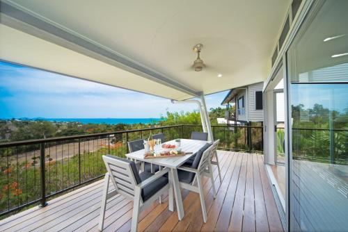 A balcony or terrace at Oleander Holiday Home - Airlie Beach