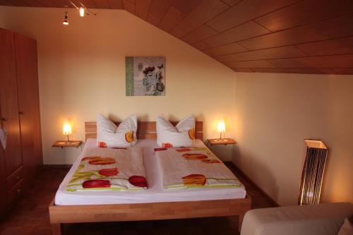 Ein Bett oder Betten in einem Zimmer der Unterkunft Appartement Penzkofer