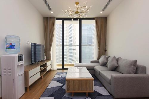 Luxury 3 bedroom apartment in Vinhomes Skylake, Pham Hung street, Nam Tu Liem
