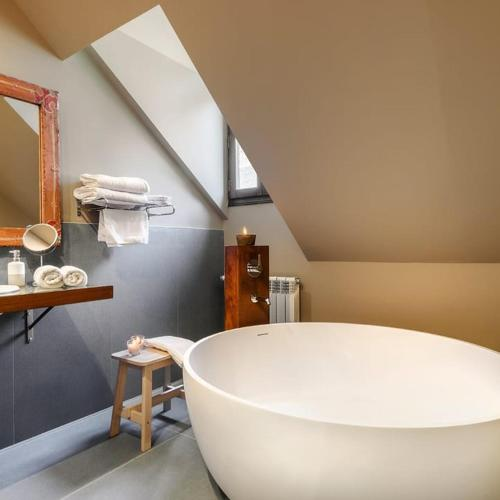 boutique hotels in huesca  241