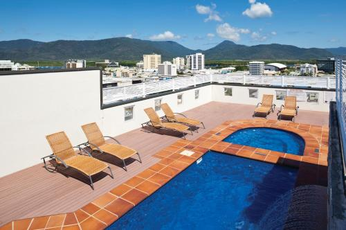 A view of the pool at Cairns Central Plaza Apartment Hotel or nearby