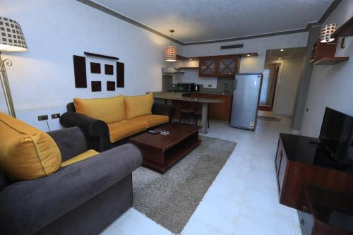 A seating area at Monte Cairo Serviced Apartments