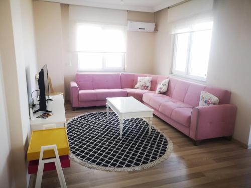 Svetainės erdvė apgyvendinimo įstaigoje YAFA Furnished Apartments Trabzon