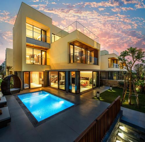 The Five Villas & Resort