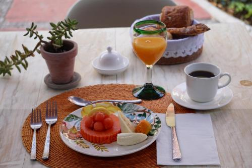 Breakfast options available to guests at Casa Moctezuma