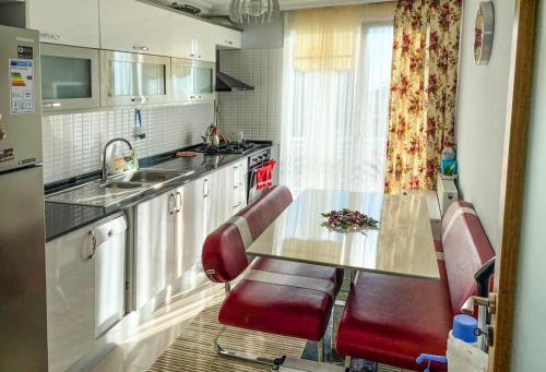 Кухня или мини-кухня в LC SULTANAHMET