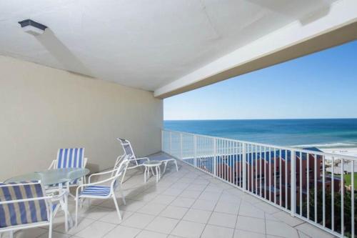 A balcony or terrace at TOPS'L Tides II