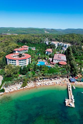 Een luchtfoto van Alara Park Residence Hotel