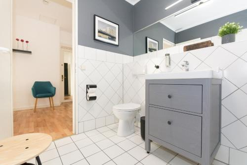 A bathroom at Old Town Apartments