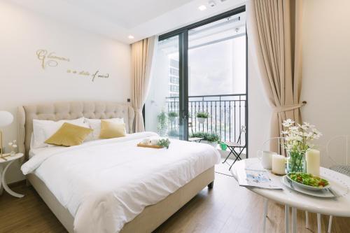 Rose House - Elegance of Ha noi City & river view