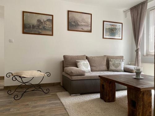 Coin salon dans l'établissement Apartments Vila Cvetka Bled