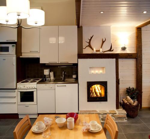 Küche/Küchenzeile in der Unterkunft Vuokatinmaa Holiday Apartments