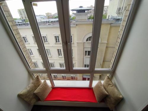 A seating area at EnjoyMoscow Pushkin Square Apartments
