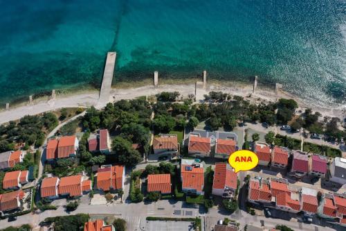 Vue panoramique sur l'établissement Villa Ana