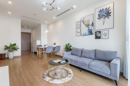 Luxury apartment in Vinhomes Skylake Complex