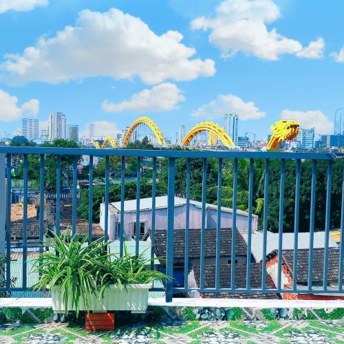 Sena home 4th*Terrrace Overlooking Danang Han river*Dragon bridge