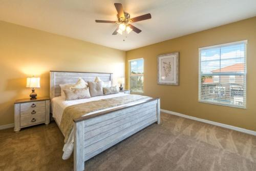 A bed or beds in a room at Bella Vida Resort by Florida Star Vacations