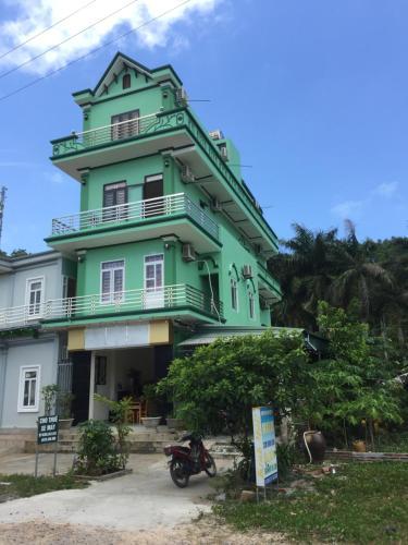 Nhà nghỉ sơn tùng