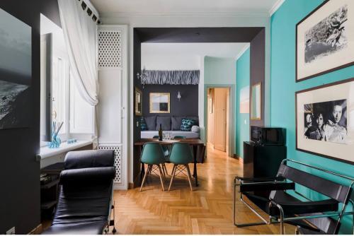 A seating area at Suite Design Piazza di Spagna