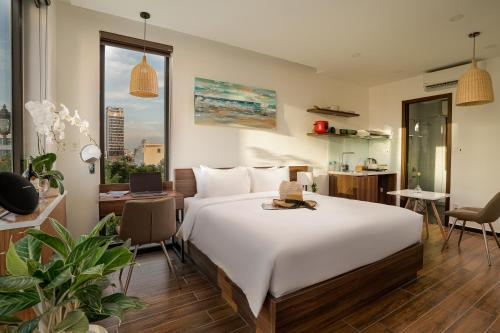 Dragon View Riverfront Hotel - Managed by Chiic Vacation