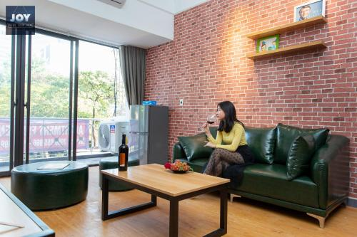 awesome studio-next to aus embassy & daewoo hotel