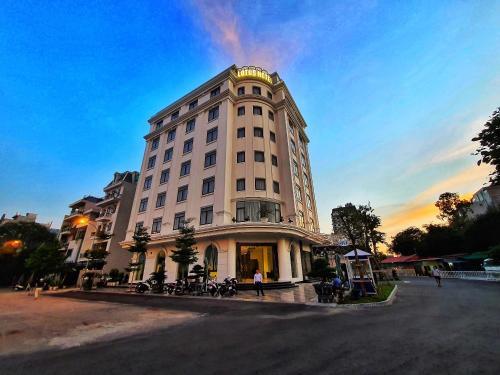 Lotus Hotel & Apartment