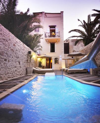The swimming pool at or close to Antica Dimora Suites