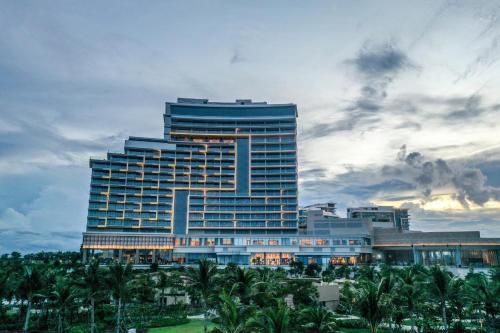 Hoiana Hotel & Suites