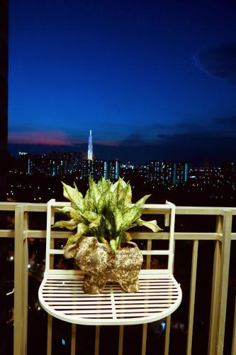 GREEN apartment view landmark 81, where to lost in!