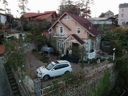 Cho Thuê Villa Nguyên Căn Trung Tâm Thành Phố Đà Lạt (GIAO CHÌA KHOÁ)