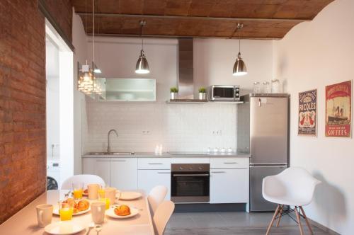 Кухня або міні-кухня у Poble Nou Design Apartment