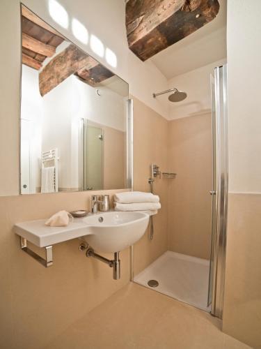 Salle de bains dans l'établissement B&B Il Corso