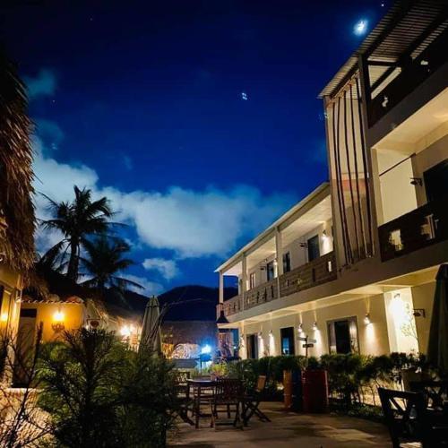 Song Cau Beach resort