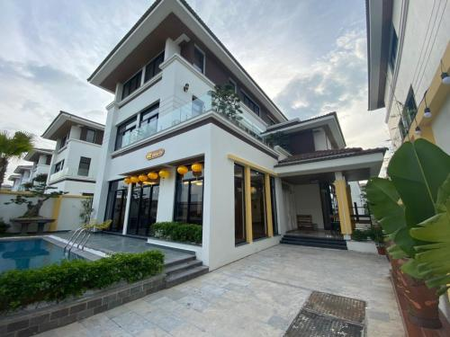 FLC Luxury Villa Ha Long