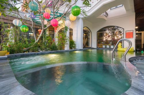 Khách sạn Hoàng Trinh