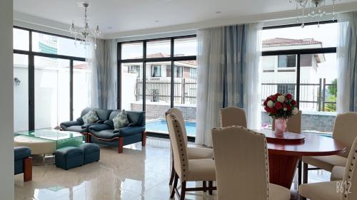 Amazing FLC Villa Ha Long
