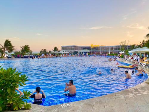 Oceanami Villas 3 Bedrooms & Beach Club
