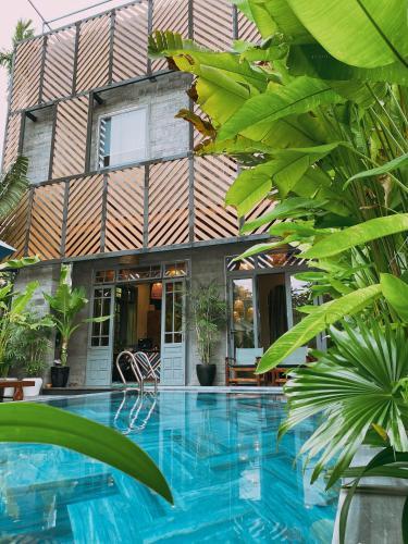 Tropical Home Villa