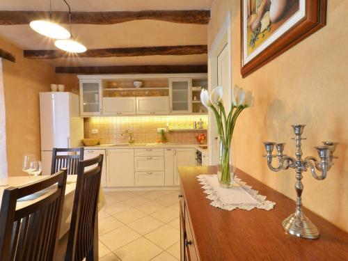 מטבח או מטבחון ב-Istrian Villa Fumica