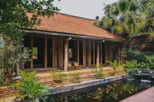 Hanoi - Ruahouse Hilltop