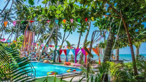 iHome Backpacker Resort - The iHome Original