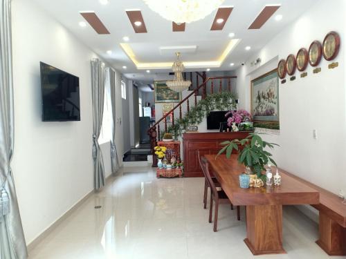 Quốc Hiếu Guest House