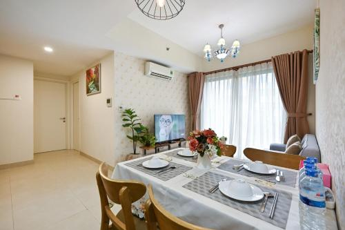 High Class 2 Bedrooms Masteri Thao Dien Apartment, Fully Furnished With Full Amenities
